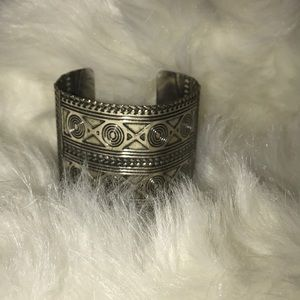 Jewelry - Hand made silver thick bracelet tribal print